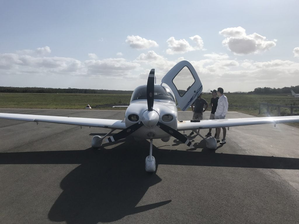 cirrus from front